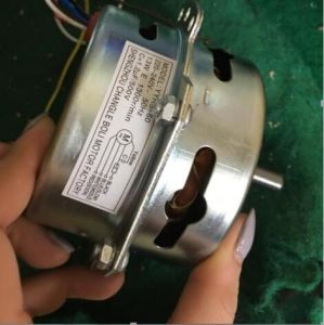 Water Heater with Remote Control of Cooling Fan pictures & photos