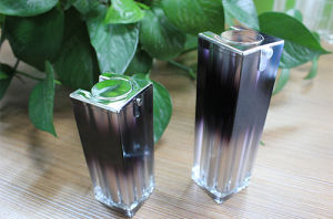 Cosmetic Acrylic Airless Bottle, Square Shape pictures & photos