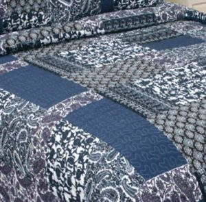 Printed 100% Microfiber Fabric Quilt/Bedding Set pictures & photos