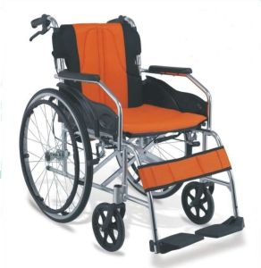 Aluminum Manual Folding Wheelchair Comfortable pictures & photos