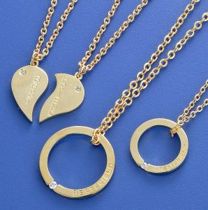 Heart Metal Necklaces pictures & photos