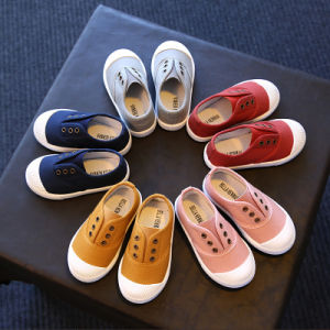 Hot Selling Candy Colors 1 to 6 Years Old Unisex Kids Canvas Shoes Kindergarten Flat Shoes pictures & photos