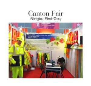 High Visibility Reflective Vest with a PVC Pocket pictures & photos