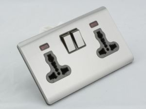 New Design British Standard Double 13A Universal Wall Switched Socket pictures & photos