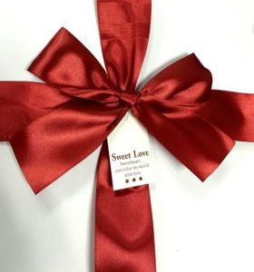 Satin Ribbon Gift Wrapping Bow with Paper Tag pictures & photos