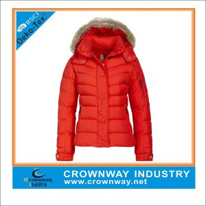 Custom Red Winter Quilted Down Jacket for Women pictures & photos