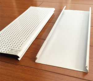 Plain and Perforated Aluminum C -Shaped Ceiling pictures & photos