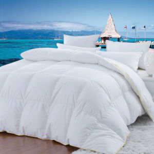 Basic Down Comforters and Pillows pictures & photos