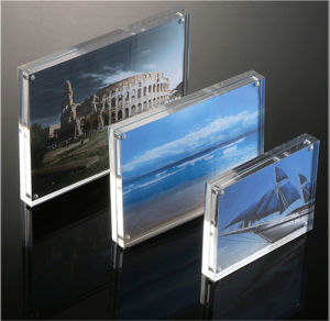 4 X 6, 5X7, 6 X8, 10 X 12 Clear Acrylic Picture Frame; Magnetic Acrylic Photo Frames, Thick Desktop Frames (5X7 Inches) pictures & photos