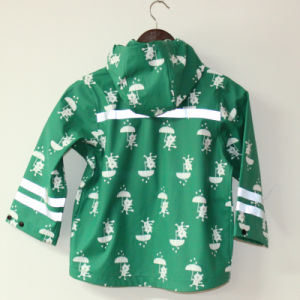 Green Cartoon Cat Reflective PU Rain Jacket/Raincoat pictures & photos
