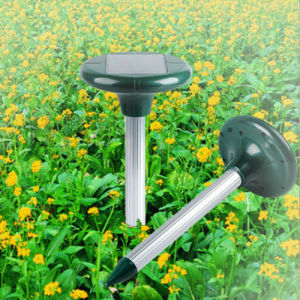 Ultrasonic Sonic Pest Repeller Solar Power Emit Pest Repeller pictures & photos