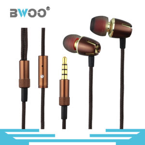 Fashion Metal Earphone with Super Bass Sound for Smart Phone pictures & photos
