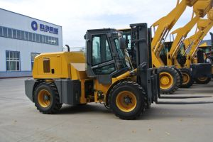 3ton China Rough Terrain Forklift with 4WD pictures & photos