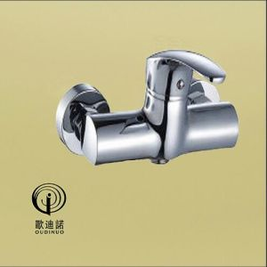 Oudinuo Single Handle Brass Bathtub Faucet 68313-1 pictures & photos