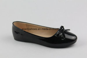 Classic Black Flat Heel Women Shoes for Office pictures & photos