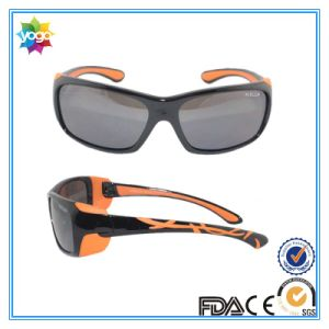 Nylon Frame Polarized UV400 Smoke Lens Sunglasses for Child pictures & photos