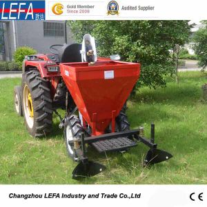 Low Price Automatic Multifunction 1 Row Potato Planter (PT32) pictures & photos