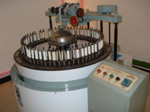 Computerized Lace Weaving Machine pictures & photos