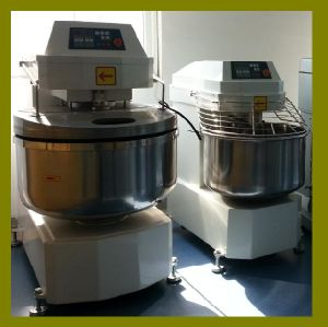 Flour Mixer Machine for Bread Knead Dough Mixer pictures & photos