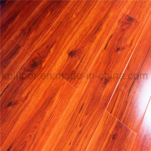 8 & 12mm High Glossy Laminate Flooring pictures & photos