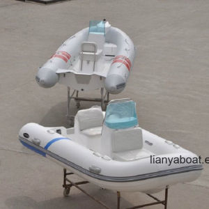 Liya Small Open Floor Rib Boat Fiberglass Flat Bottom Boat pictures & photos