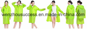 Adult Waterproof Plastic Lightweight Rain Poncho with Hood pictures & photos