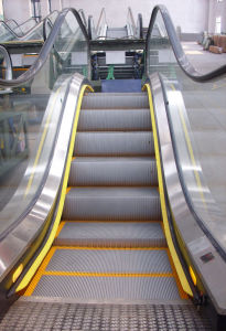 Aksen Escalator Indoor & Outer Door Type Aluminium Step