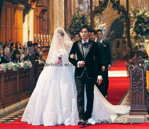 off-Shoulder Wedding Dresses Jay Chou Lace Bridal Ball Gowns Z2022 pictures & photos