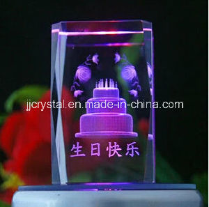Crystal Cube for Birthday Gifts pictures & photos