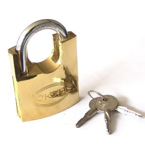 Golden Shackle Protected Short Shackle Single Locking Mechanism Padlock