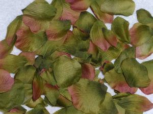 Natural Touch Silk Artificial Flower Petals Rose Petal pictures & photos