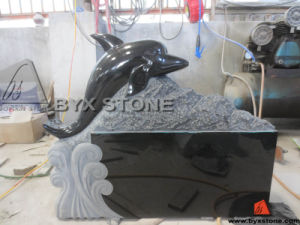 Black Granite Animal Monument / Headstone with Carved Dolphin pictures & photos