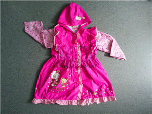 Popular Pretty Rain Jacket for Student Girls pictures & photos