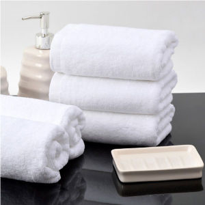 100% Cotton 16s Platinum Cotton Satin Towel 700g Thickening High Quality Hotel Bath Towel White (DPFT8083) pictures & photos