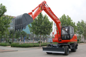 China Hydraulic Wheel Excavator for Sale pictures & photos