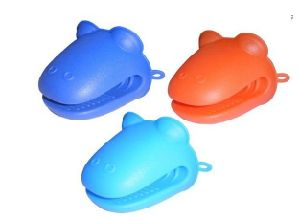 Animal Shape Heat Resistant Silicone Oven Gloves (SE-049) pictures & photos