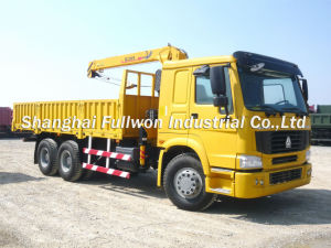 HOWO 6X4 Truck Mounted Crane 5 Ton pictures & photos