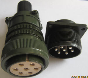 24-10 Thread Coupling Rain Proof Circular Connector pictures & photos