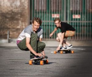 E-Skateboard Longboard Cruiser Electric Skateboard Stock in Germany, UK, USA, Australia pictures & photos