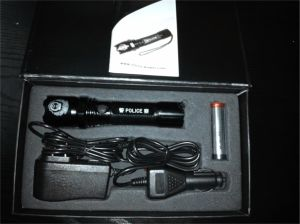 High Brightness LED Police Flashlight pictures & photos
