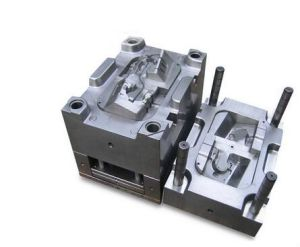 Precision Injection Mold for Auto Parts pictures & photos