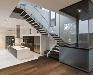 Frameless Glass Railing System with U Channel Design pictures & photos