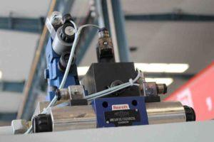 Hacol Hydraulic Press Brake Machine/ CNC Press Brake pictures & photos