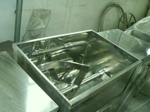 Automatic Trough Type Ribbon Mixer for Powder pictures & photos