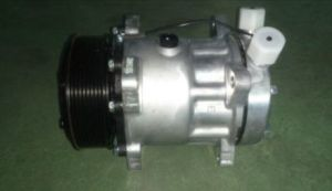 7h15-709 Air Conditioner Compressor OE No.: 81619066012 for Man pictures & photos