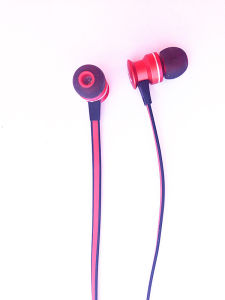 Portable with Microphone and Volume Controller in-Ear Headphone pictures & photos