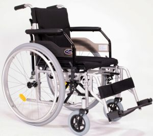 Manual Deluxe Wheelchair From China pictures & photos