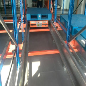 Economical High Density Factory Fifo Radio Shuttle Vehicle Racks pictures & photos