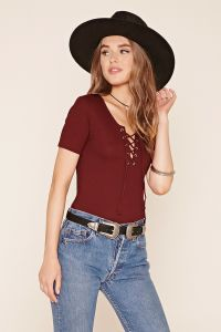 Fashion Eyelet Design Short Sleeve T Shirt pictures & photos