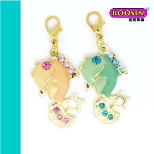 Fashion Gold Plating Custom Alloy Enamel Fish Charm pictures & photos
